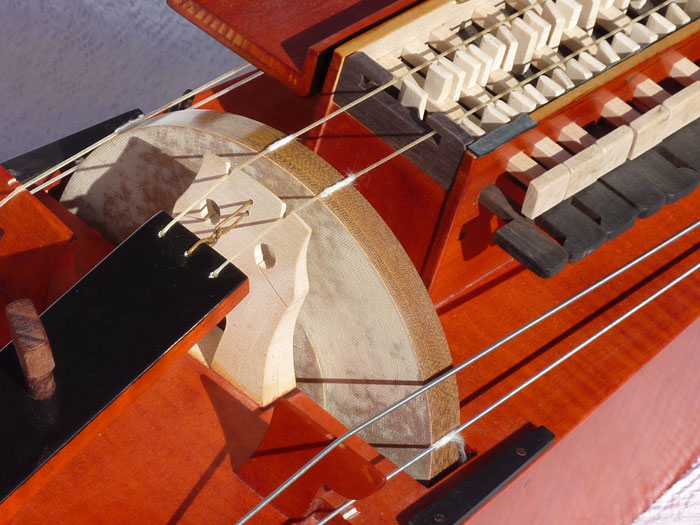 Silvio Orlandi hurdy gurdy ghironda drehleier vielle a rue nova